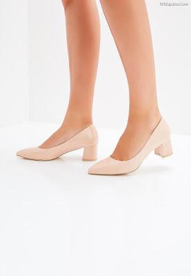 Zapatos de moda con tacón grueso