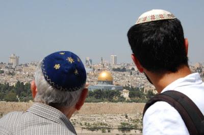 Mientras Israel celebró su Día de la Independencia, la agencia cultural de las Naciones Unidas para la UNESCO votó 2 de mayo al negar la soberanía del Estado judío sobre Jerusalén.