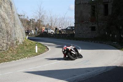 Le curve del Passo Bracco tra escursioni naturalistiche e motorbike.