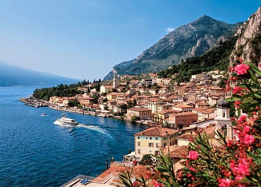 Villas in Italy for groups of families & friends