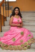 aishwarya addala new glam pics-thumbnail-2