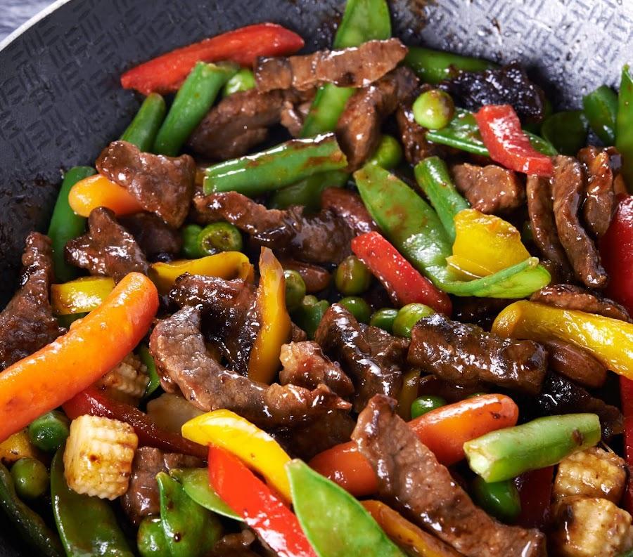 receta de carne con verduras salteadas