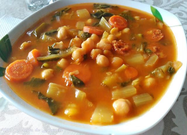 Potaje de Garbanzos con Acelgas y Chorizo