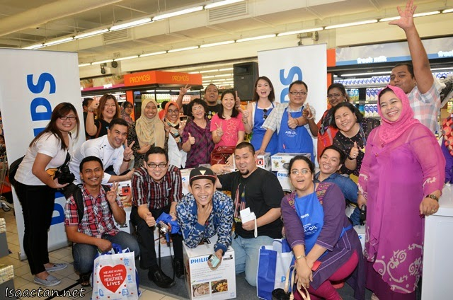 The participants and celebrity chefs at the Philips Ultimate Cook Off Challenge