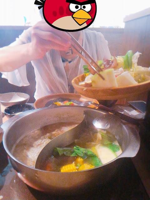 2016 10 16 19 32 15 - 【台南東區】涮乃葉吃到飽日式涮涮鍋 - 新鮮蔬菜與手工拉麵,還有超濃郁的霜淇淋!