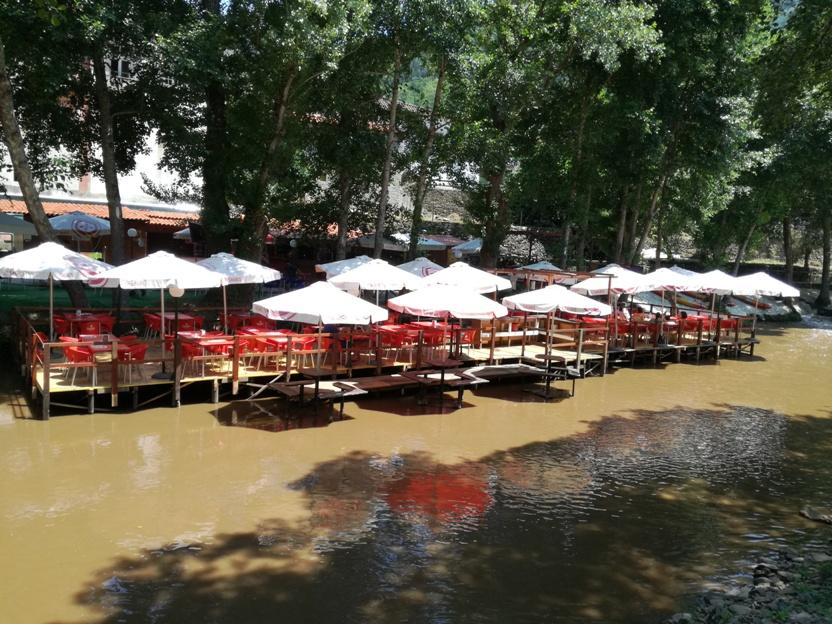 Esplanada sobre o Rio da Fazenda da Avó Thomazia
