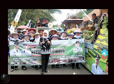 Pawai Pembangunan Meriahkan HUT Kab. Subang ke-68. Foto dapet nyomot dari akun medsosnya bu Chi chi, Camat Cibogo.