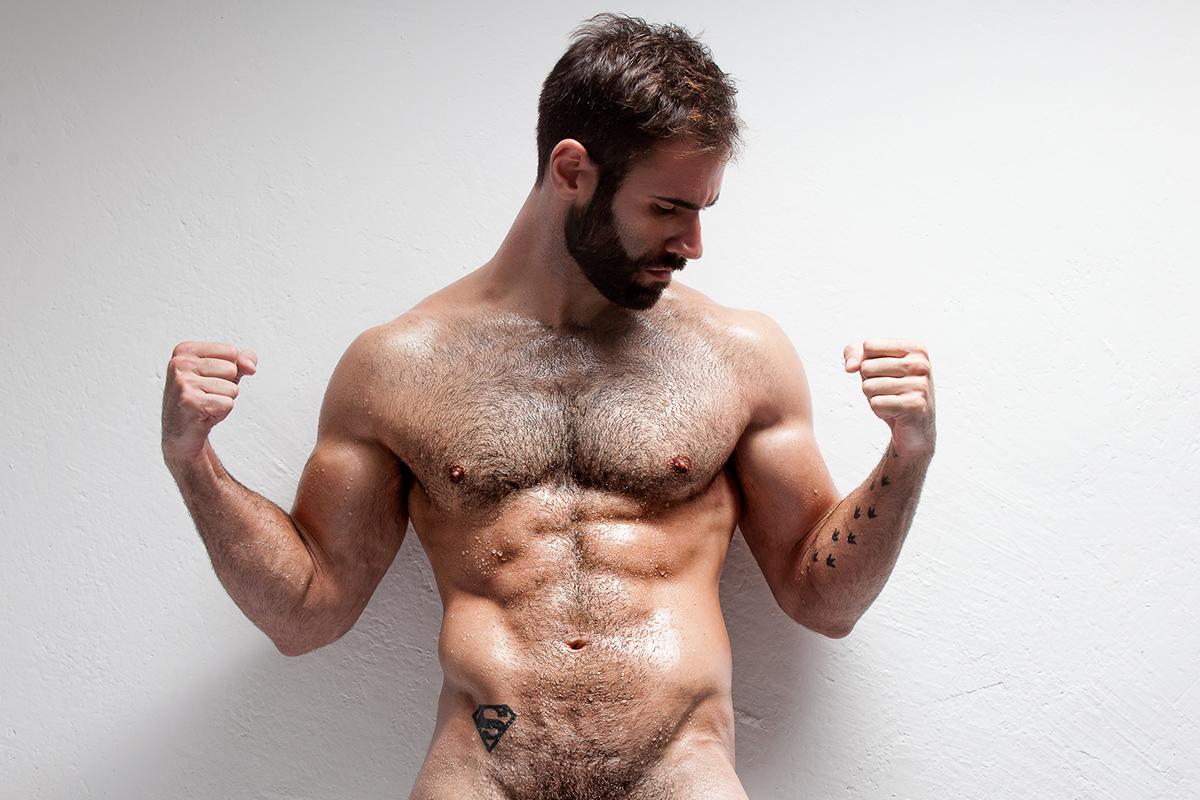 Il trainer spagnolo Francesc Gascó posa nudo per JOAN CRISOL