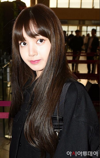Blackpink Is Super Eye Catching At Gimpo Airport For Sukkiri Super
