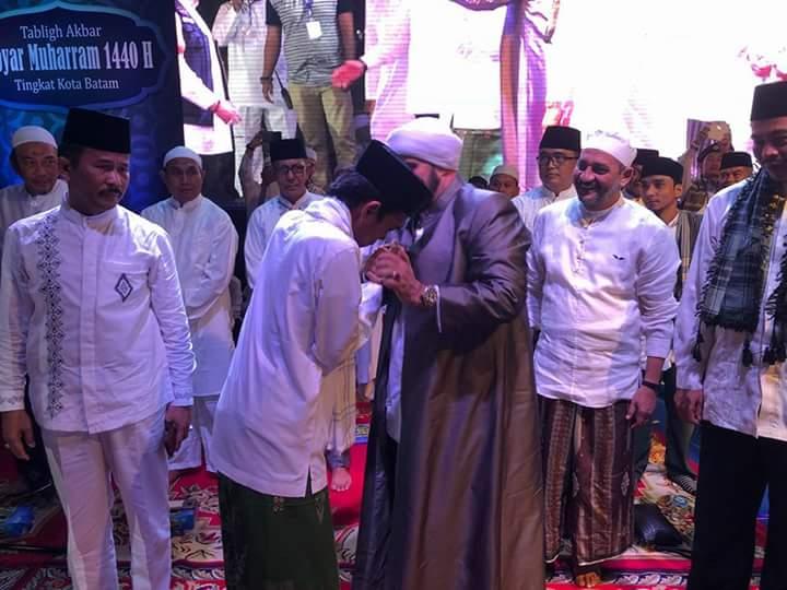 Difitnah Anti Kebhinekaan dan Anti NKRI, Ini Jawaban Woles Ustadz Abdul Somad