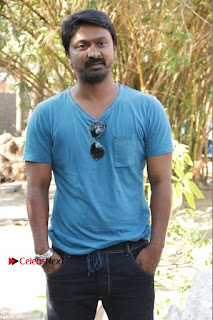 Vizhithiru Movie Press Meet Stills  0004.jpg