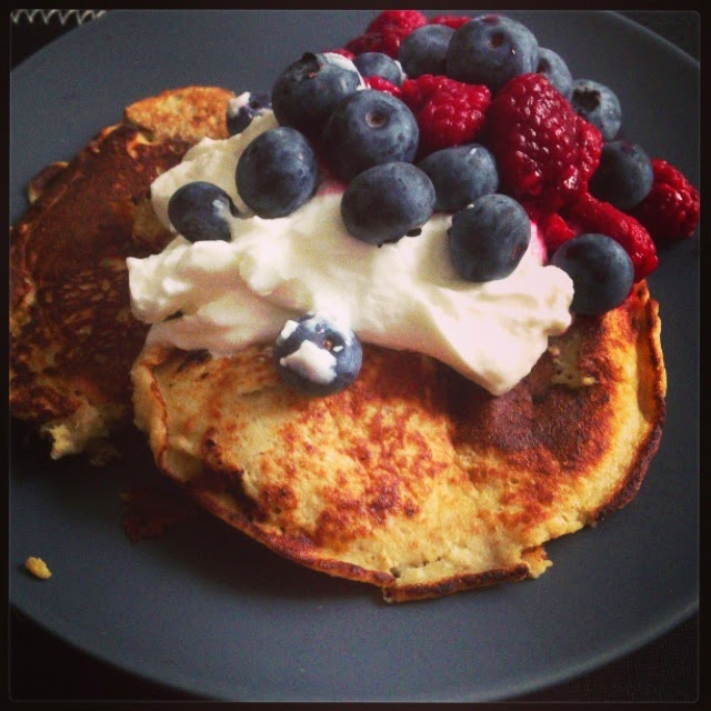 Banana protein pancakes healthy clean eating