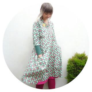 V8813 in spring bird print fabric by Ivy Arch