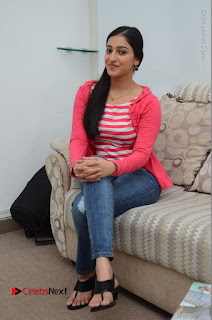 Telugu Actress Mouryani Latest Pos in Blue Denim Jeans  0103.JPG