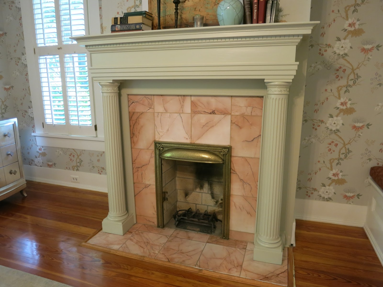 Architecture tourist six fireplaces in this 1920 39 s for Craftsman fireplaces photos