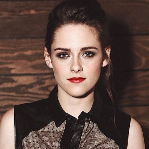 Twilight Actress Kristen Stewart Hot Photos