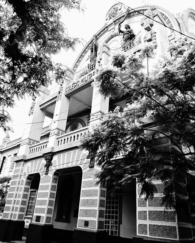 O prédio do Colégio Militar de Porto Alegre foi inaugurado em 1872.
