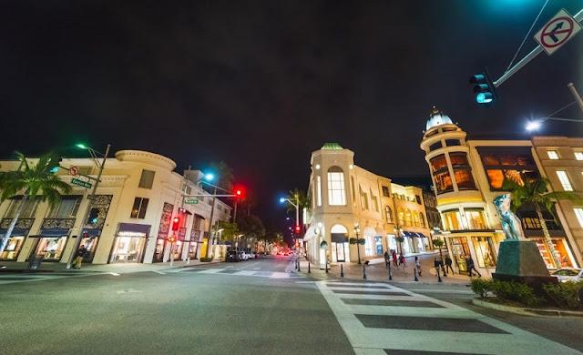 Rua Rodeo Drive em um roteiro de viagem em Los Angeles