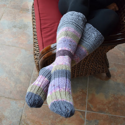 https://www.etsy.com/listing/662380212/below-the-knee-socks-variegated-colors?ref=listing_published_alert