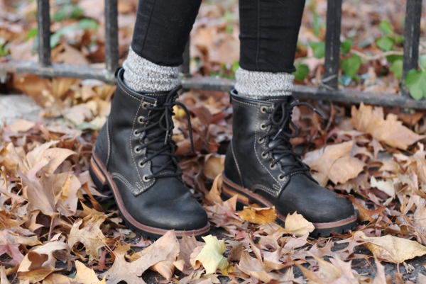 Jessica Lemos jess jesslemos abercrombie & fitch #afstlist camp socks logger boots skechers laramie 2