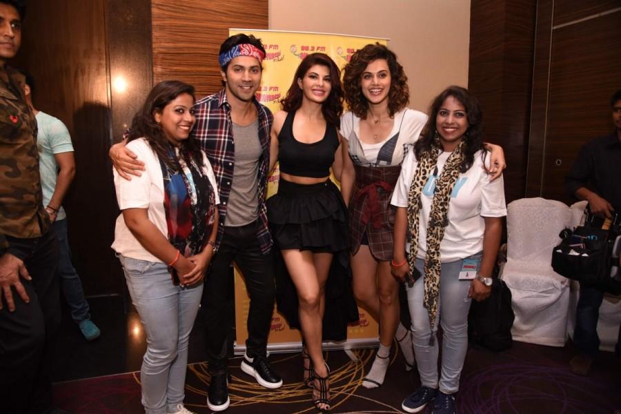 Varun Dhawan, Jacqueline Fernandez and Taapsee Promote Judwaa 2 at Radio Mirchi