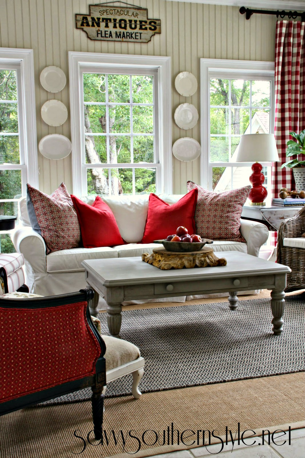 Savvy southern style a change of colors in the sun room - Decorating living room country style ...