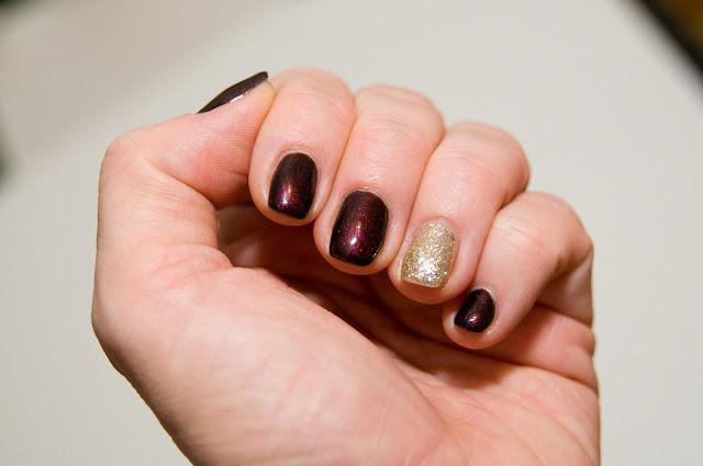 CND Shellac Nail Colour to wysokiej klasy lakiery hybrydowe