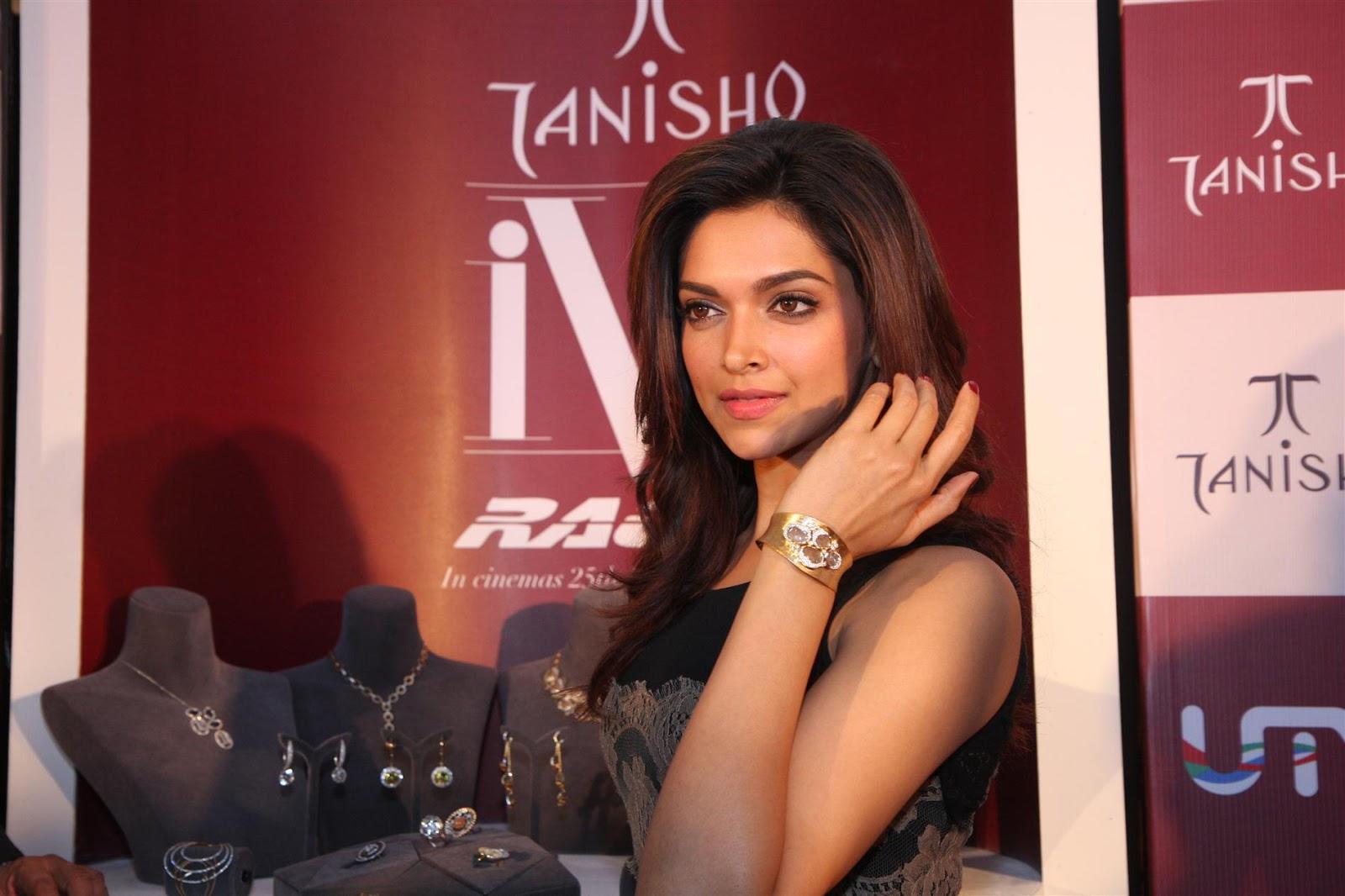 Indian Glamorous Dimple Queen Deepika Padukone Hot Photos In Long Black Dress