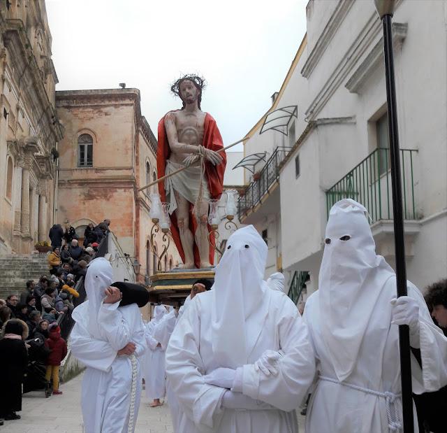 Statua della processione dei Misteri a castellaneta