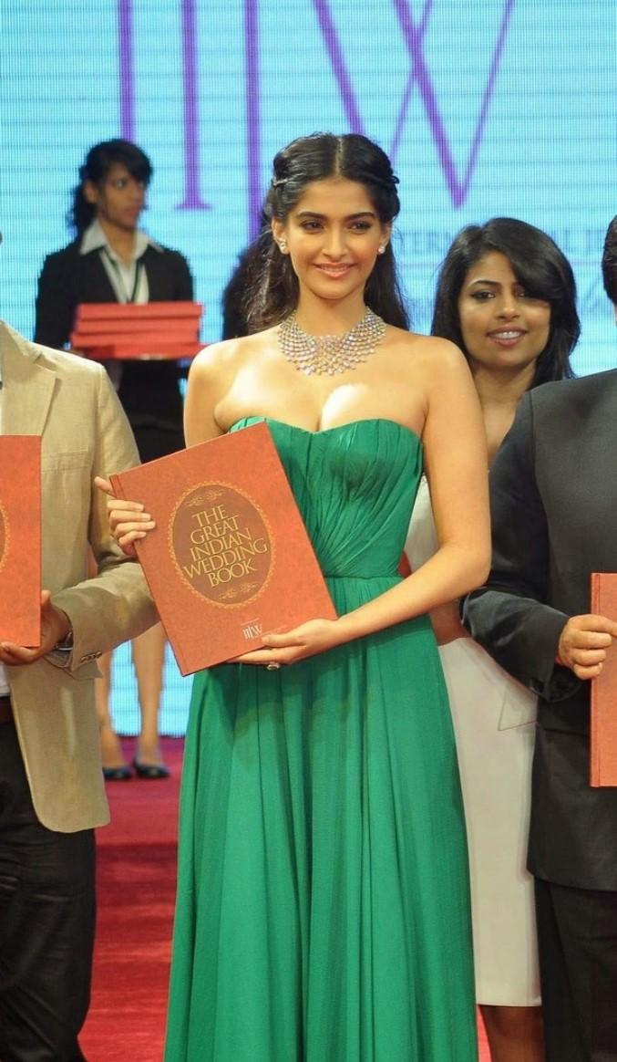 Sonam Kapoor modern jewellery
