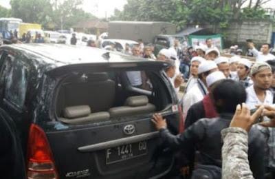 Detik-detik Laskar FPI Dikeroyok dengan Balok usai mengawal Imam Besar FPI