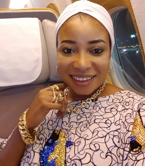 liz anjorin gets gold tooth saudi arabia