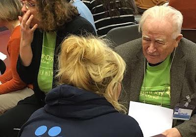 Un sobreviviente del Holocausto ayuda a los refugiados de Berlín