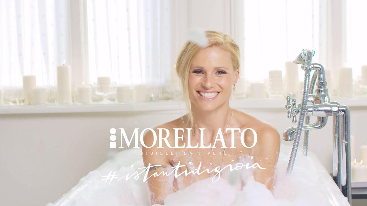 Canzone Morellato gioielli da vivere con Michelle Hunziker Pubblicità nella vasca da bagno