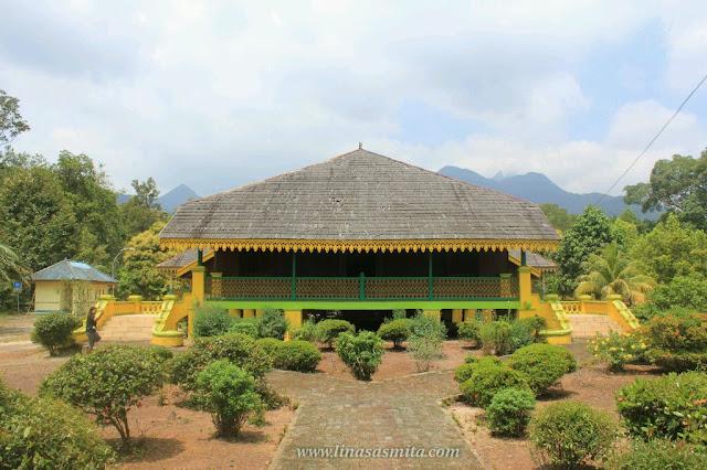Istana Damnah