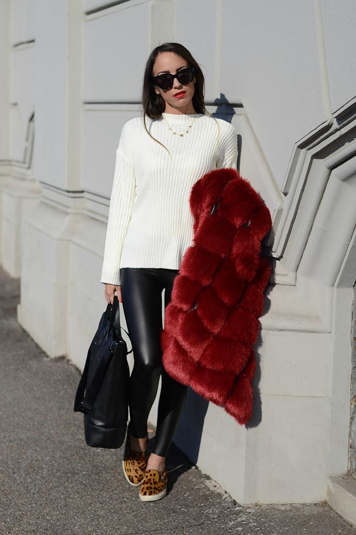 maglione bianco lacci