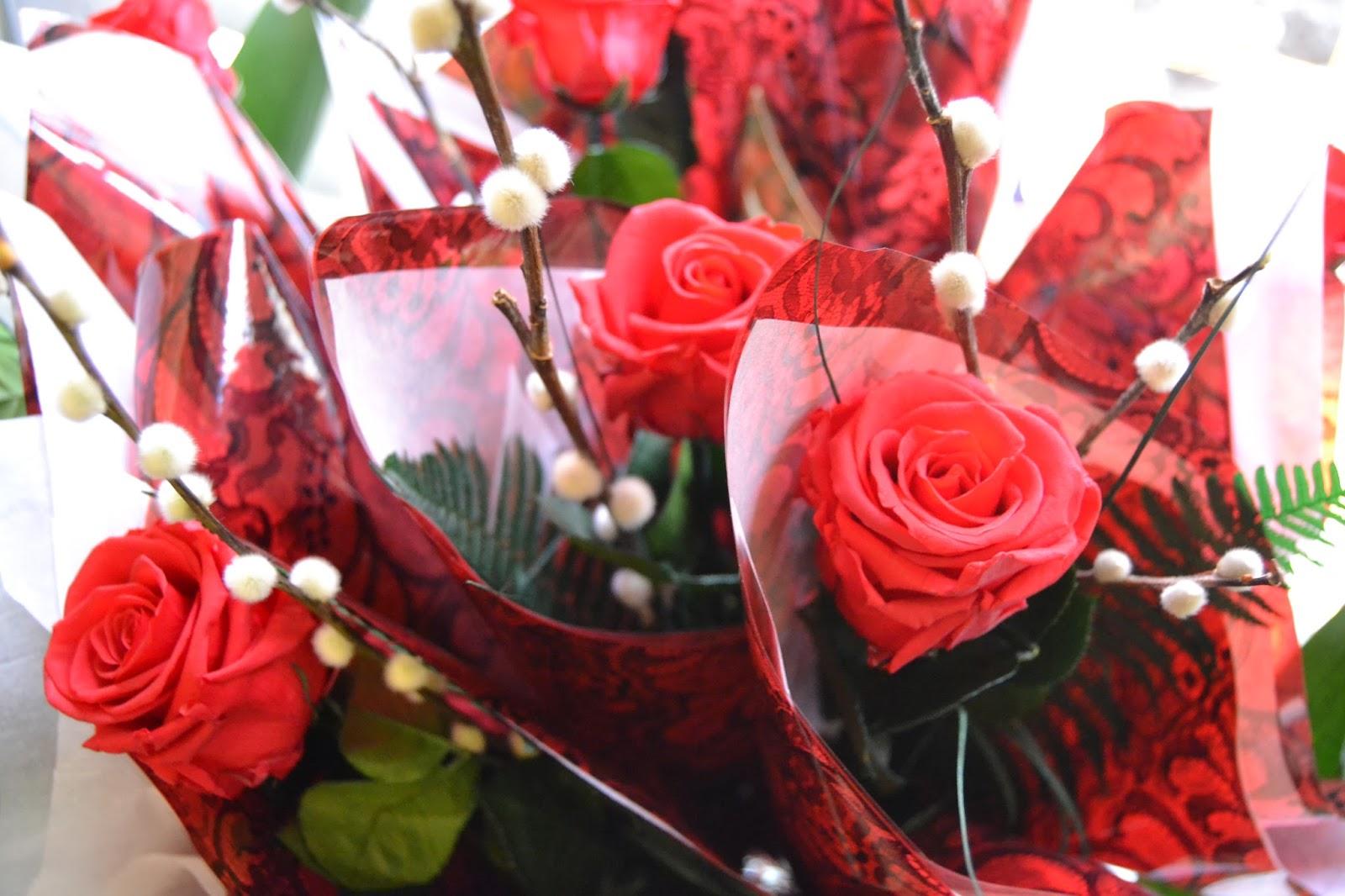 Rosas preservadas rosas por san valent n rosas - Ramos para regalar ...