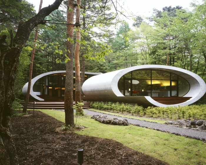 11-Front-Artechnic-Architects-Residential-Architecture-with-the-Shell-House-www-designstack-co