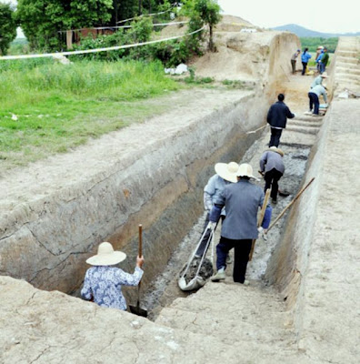 Chinese archaeologists unearth an ancient city of Wu