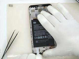 Cara Melepas Baterai Dalam Xiaomi