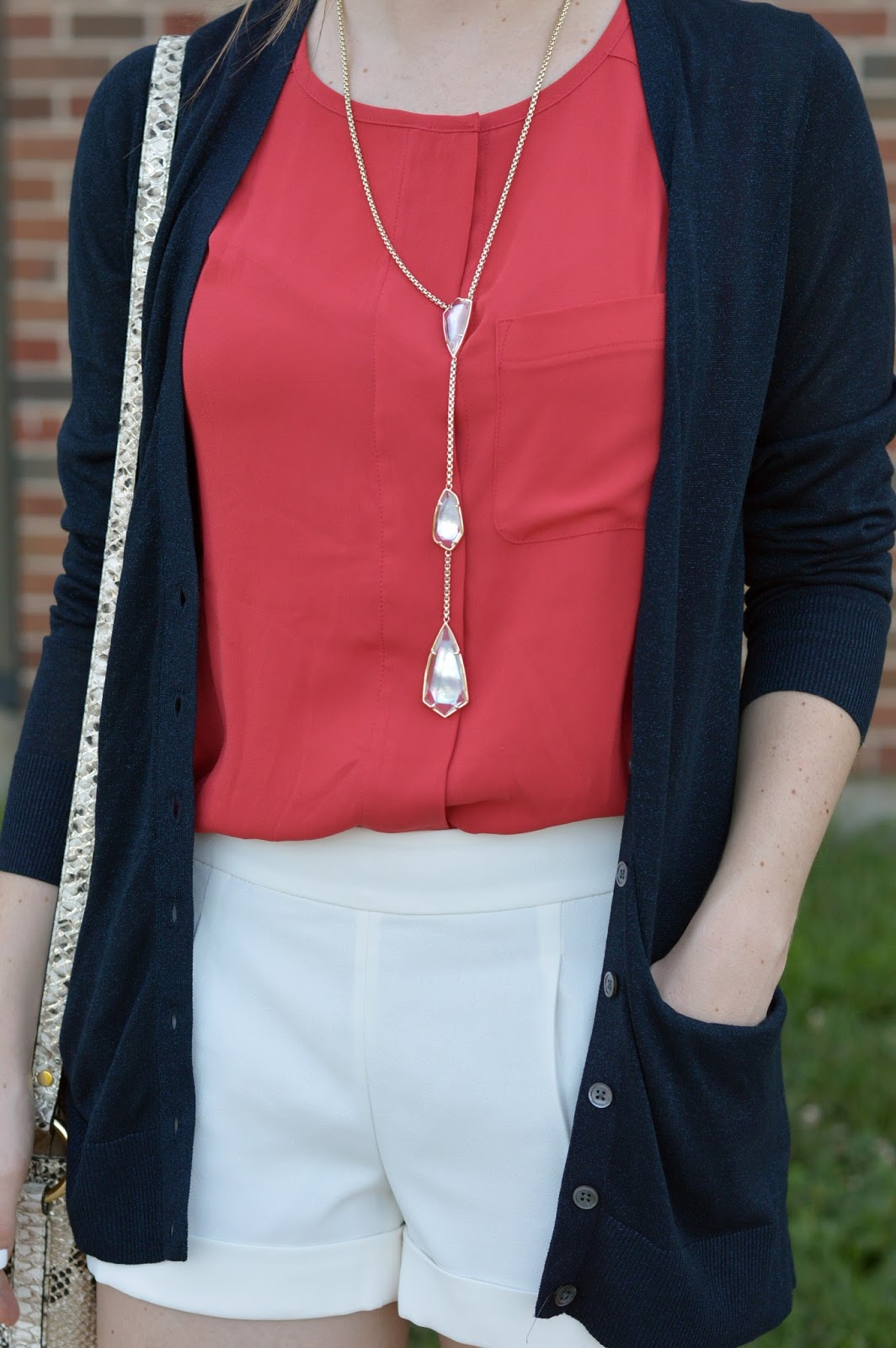 red  white and blue outfit ideas | kendra scott necklace | what to wear this summer | what looks good with white shorts | boyfriend cardigan paired with shorts |