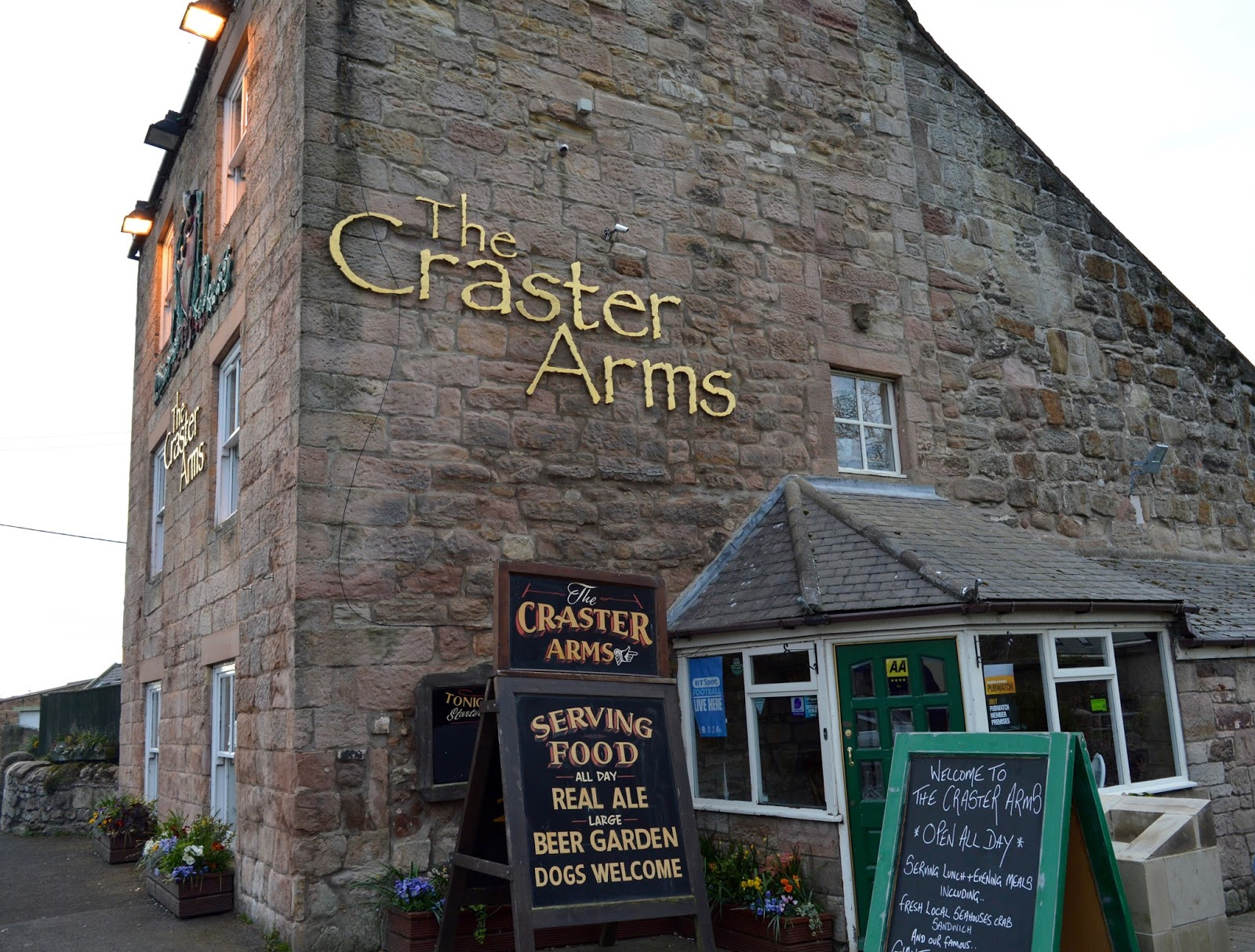 The Craster Arms, Beadnell | A Review featuring a very good Northumberland Country Pub.