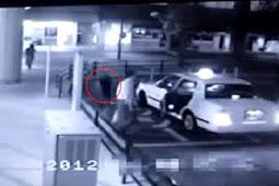 Mengerikan, Pria Ini Diikuti Hantu saat Masuk Taksi