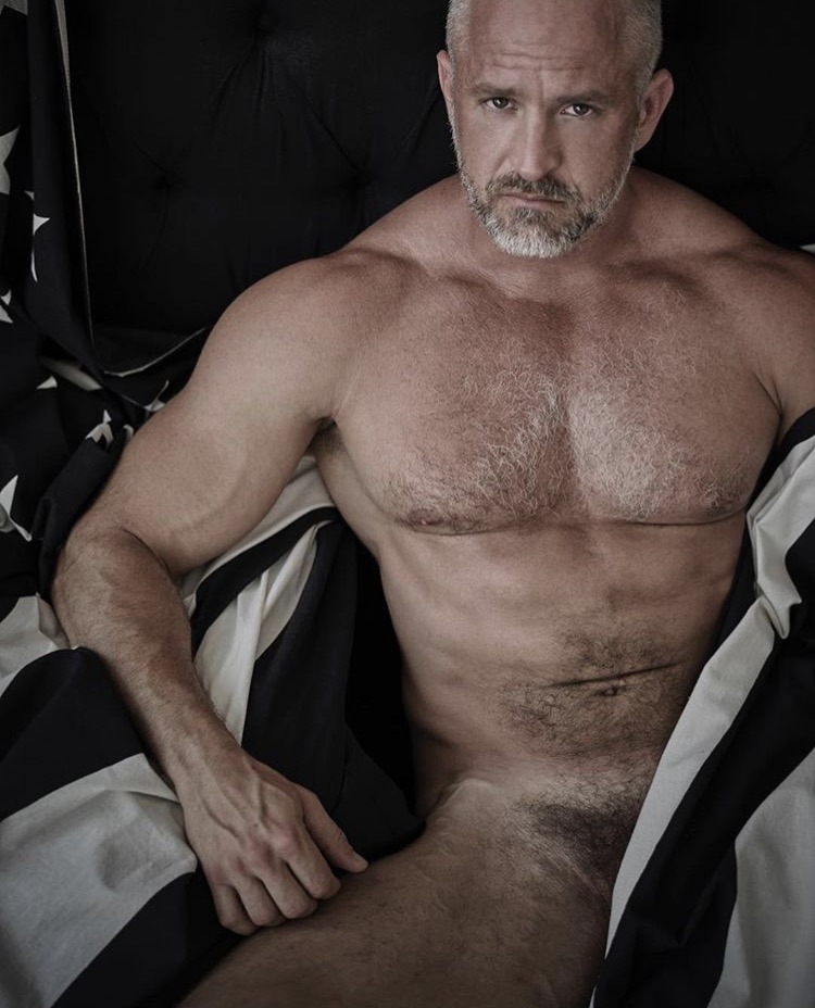 hairy-muscle-daddy