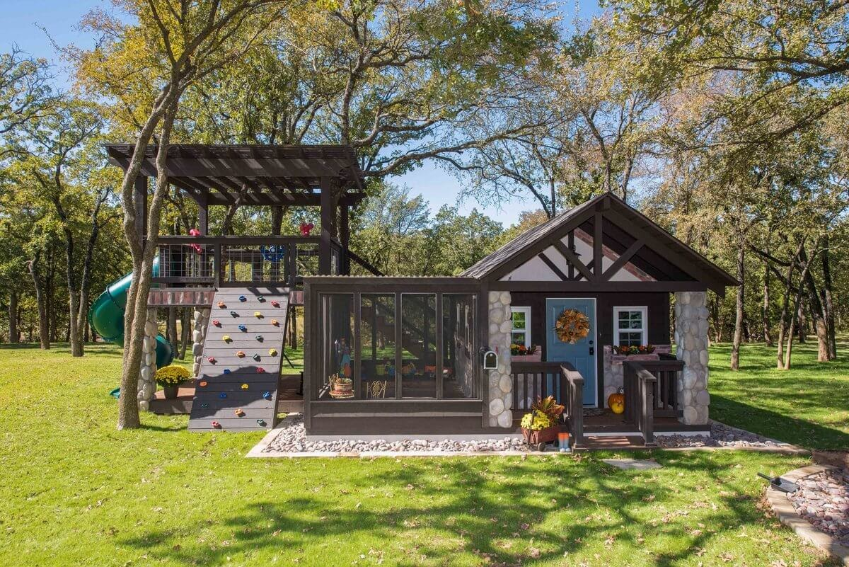 08-Playing-Activities-GDB-Architecture-Tiny-House-Playhouse-www-designstack-co