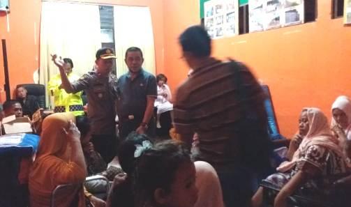 Wakil Bupati Kep. Selayar, Temui Korban Banjir Di Posko Pengungsian