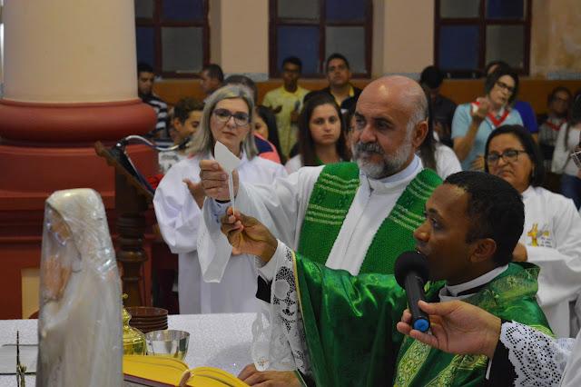 FESTA DE REIS: Padre Aluísio e Padre Pedro encerram festividade religiosa em São Joaquim do Monte