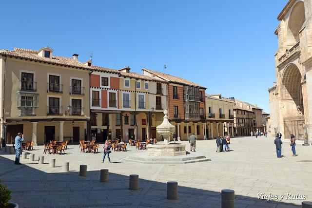 Plaza de la catedral de Burgo de Osma