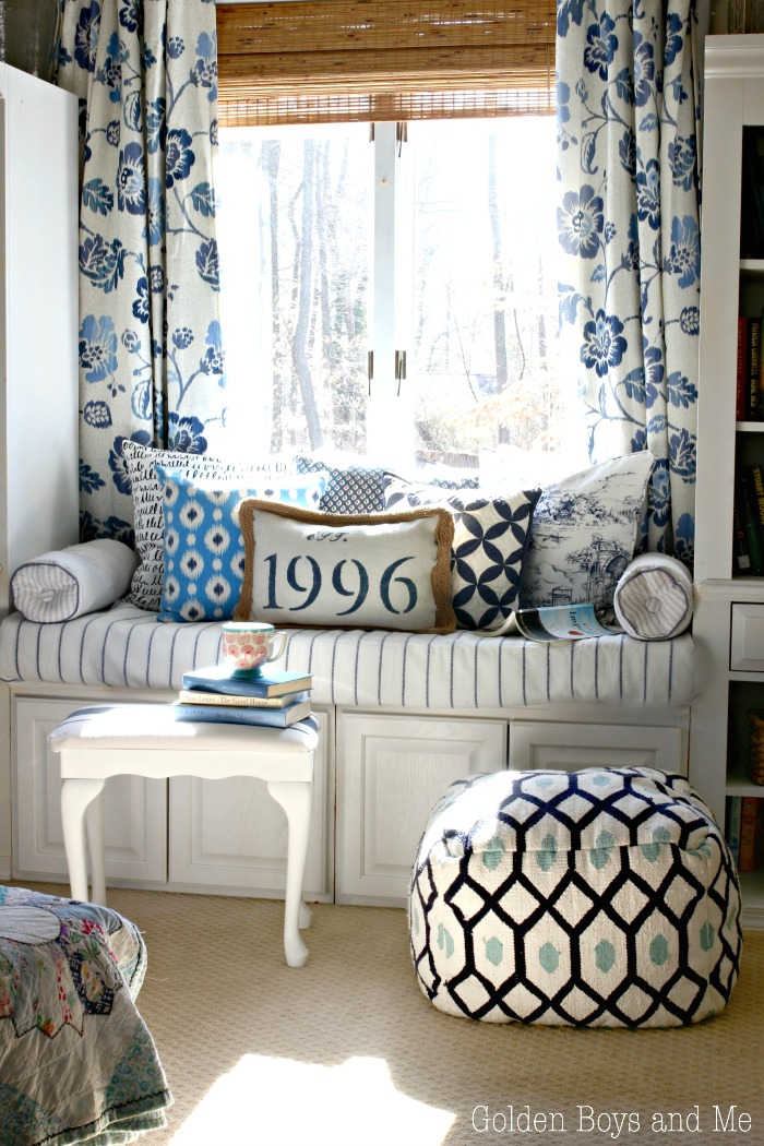 window seat in blue and white master bedroom - www.goldenboysandme.com
