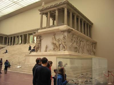 Altar de Pérgamo (Pergamon Museum), Berlin, Alemania, round the world, La vuelta al mundo de Asun y Ricardo, mundoporlibre.com